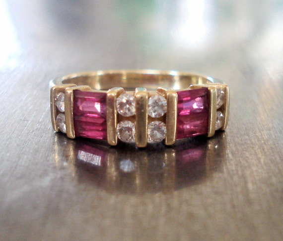 Vintage Diamond and Ruby Engagement Ring in 18k Gold -- FREE SHIPPING