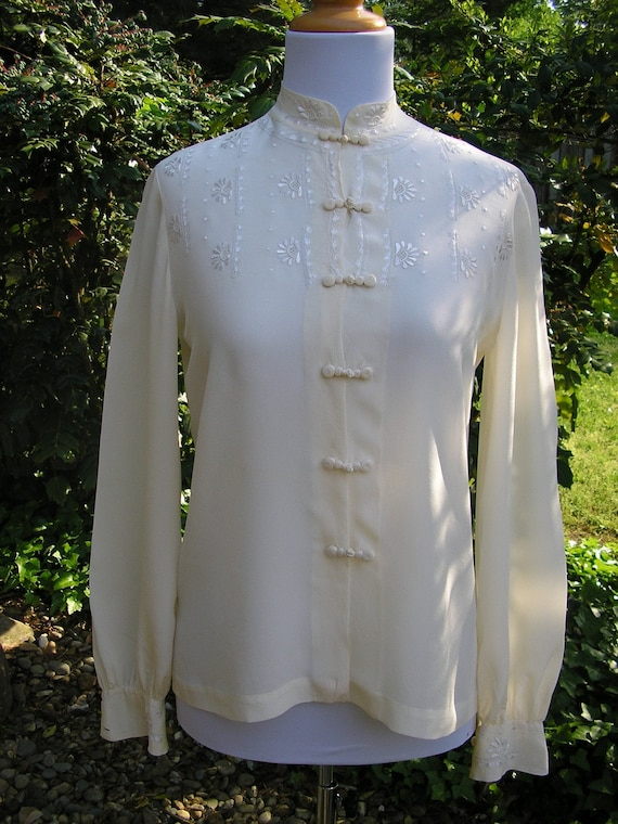 1960s blouse / Ivory Silk Secretary Blouse
