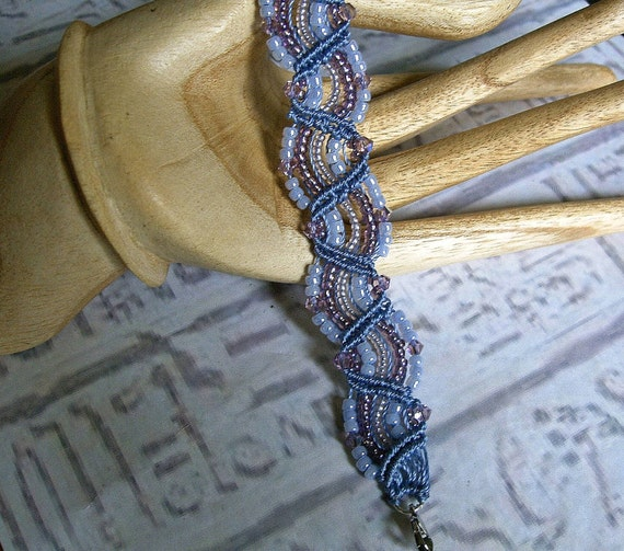 Micro macrame bracelet in amethyst and pale blue with swarovski crystals