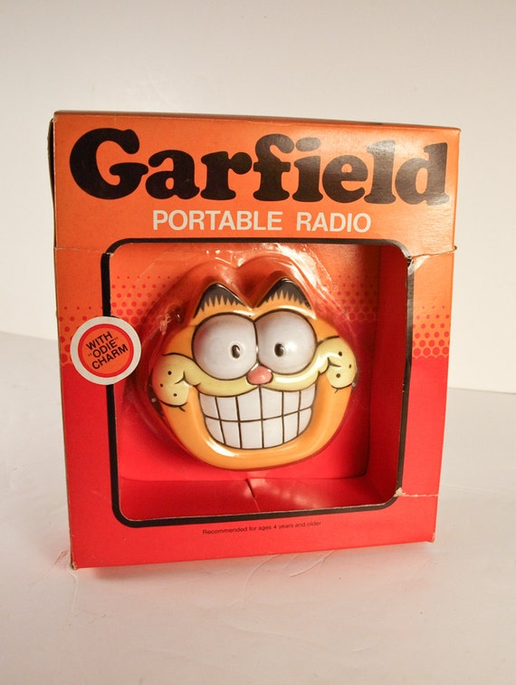 Garfield Transistor Radio 1970's In Box with Odie Charm Garfield The Cat Orange Red Cartoon Character