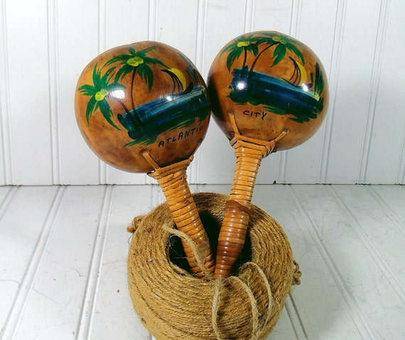 Reserved for Ricardo M - Retro Set of Atlantic City Maracas - Vintage Tourist Souvenir - Professional Sound Quality