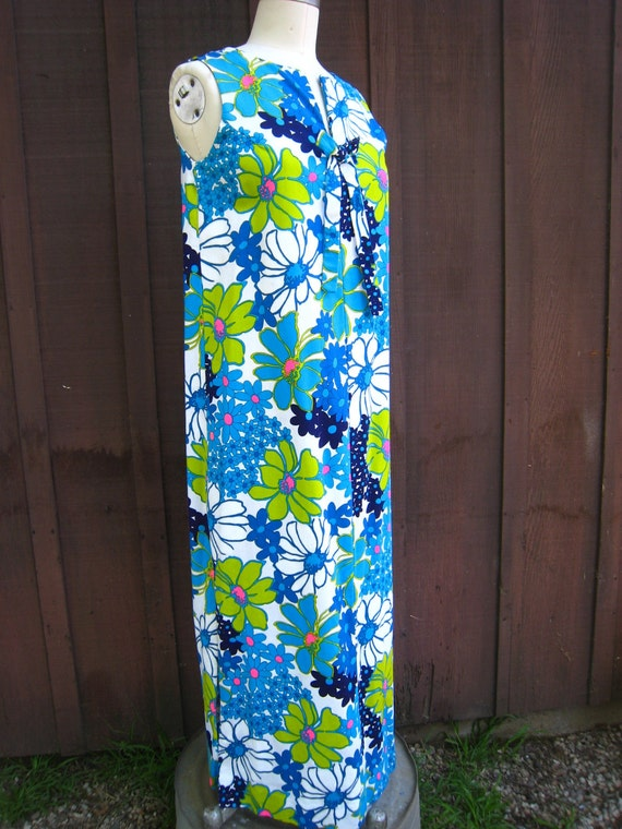 Gorgeous Hawaiian Shift Dress with Vibrant Floral Print Custom Made