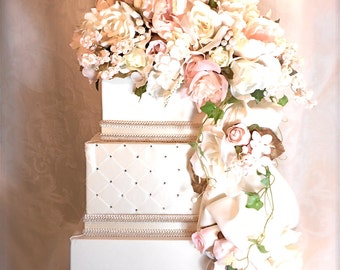 Private Listing for linaluu 050290 Wedding Card Box Secured Lock Champagne and Burgundy Cream