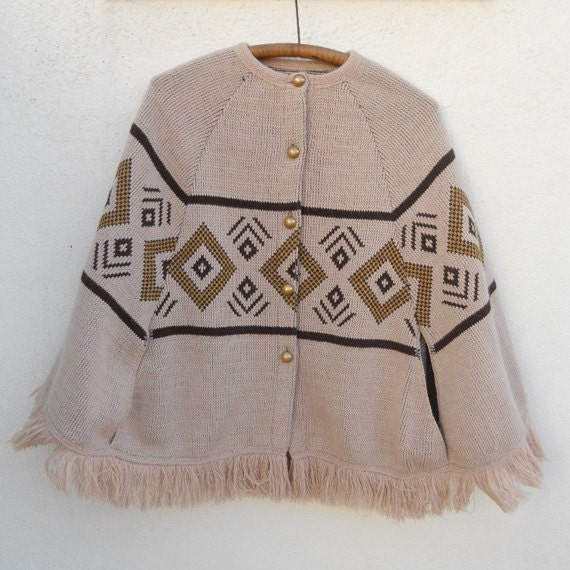 SALE Vintage 70s Earthy Button-Up FOLK Knit Cape