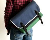 DSLR Messenger Camera Bag Large - water-repellent durable canvas - Navy/Green
