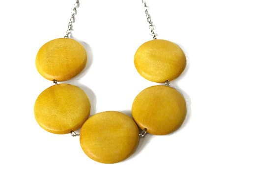Mustard yellow geometric chunky bead necklace with big round for Mustard colored costume jewelry