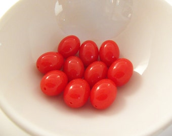 16 Vintage 10x15 Paprika Red Lucite Oval Beads  Luc159