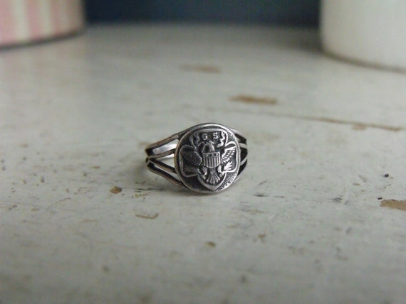 Girl Scout Ring and Pin Vintage Sz 4 to 4.5