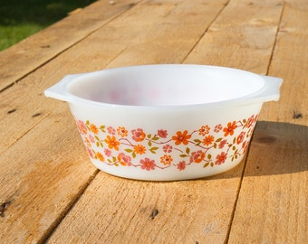 Milk glass Scania Print bowl / casserole