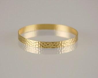 Gold Hammered Thin Bangle , Golden Minimalist Bracelet , Brides and Bridesmaids Bangle , Bridesmaids Gift , Thin Bracelet