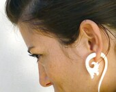 Fake Gauge Earrings Drops Bone Earrings White Flower Organic Natural Tribal Earrings Organic - FG012 B G1