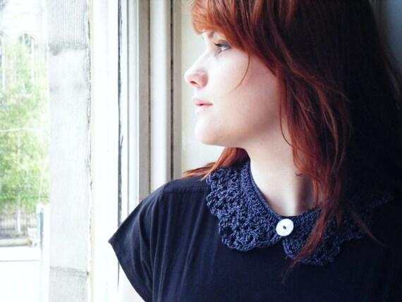 Trendy Crochet Collar in Metallic Charcoal Grey