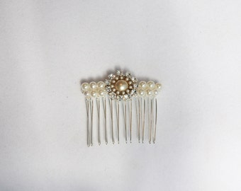 Bridal Hair Comb Pearls And Rhinestone Crystals Ivory White Flower Side Tiara Wedding Jewelry hair comb Vintage wedding Accessories hair pin