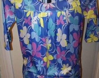 Adorable Womens Vintage Floral Blouse/ Size SM L