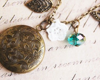 Flowers and swirls - a floral vintage locket necklace