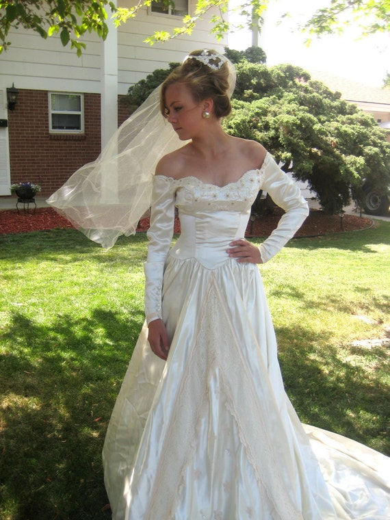 40s Wedding Dress/History Available/Original Veil/Cathedral Length/Vintage Liquid Satin/Off Shoulder/Pearls,Lace,Sequins/EXCELLENT/1940
