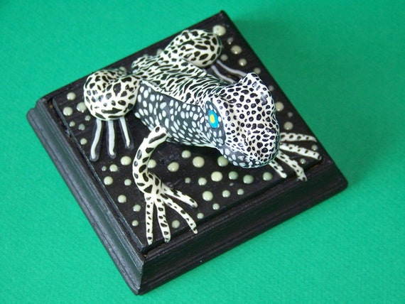 Fantasy Swamp Frog, Glow in the Dark - Black Clay, Black Dots, Black  Wooden Base