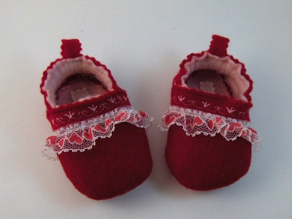 Handmade Red and Pink Felt Baby Shoes: with Red and White Lace.