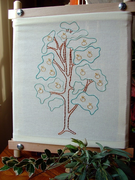 Tree of Golden Apples - Embroidery Pattern PDF - Includes Stitch Guide - Fairy Tale - Brothers Grimm
