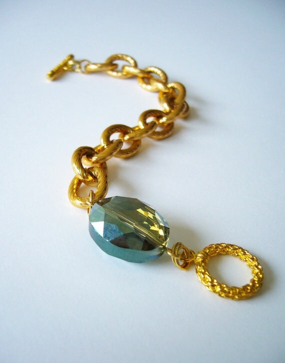 SALE 35% OFF, Crystal olivine bracelet, gold plated cable chain with toggle clasp