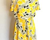 SALE Vintage Summer Dress Size Large Sundress Floral Neon Fashion Yellow Black White Summer. 80s Mad Men Fashion. Swing Dress. Spring