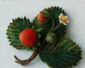 Felted wool brooch, Strawberry felt, Strawberry Brooch, Red Beries Jewelry - ready to ship