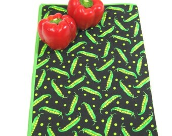 Dish drying mat Cloth drainboard Green pea print Fabric dish drainer Vivid vegetable Food prep Cottage kitchen Student dorm