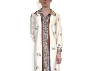 1960's Vintage Cream Dress with Long Sleeves and Paisley Trim