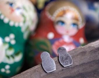 petite sterling silver matryoshka nesting dolls - post earrings