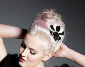 Felt and feather haircomb - 'Regency Bird' comb