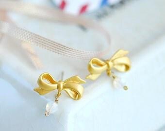 Bow earrings, Gold bow earrings, Gold stud earrings, Bow post earrings, Shabby chic earrings, Cute earrings post, Gold crystal earrings