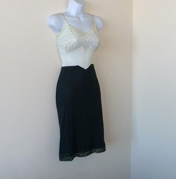 1940s - Van Raalte Full Slip - Size 34 - Vintage -Retro - Cream - Lace - Gray - Nylon - Recycled - Eco Friendly - Hollywood - Glamour