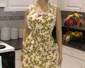 Full apron, traditioal style,  Apron grape fabric print, with two large pockets