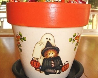 HALLOWEEN Flower Pot, Glow in the Dark, Six Inch Size, Autumn Decor