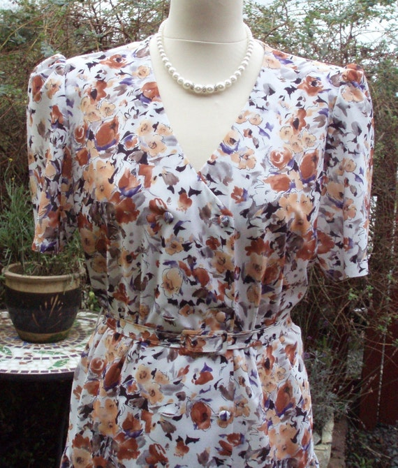 RESERVED for Gemma. Vintage Floral Tea dress 1940s style autumn colours on white background UK 14 US 10 12