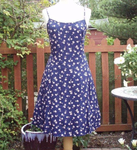 Vintage Ditsy Daisy Summer Sundress strappy, fit flare UK 16 ,US 12 14