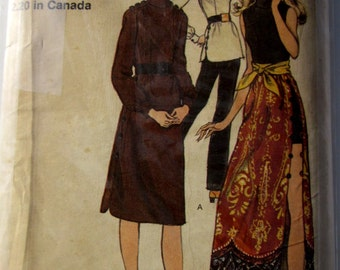 Vogue 8178 Misses 70s Dress, Tunic, Pants and Shorts Sewing Pattern Size 8 Bust 31