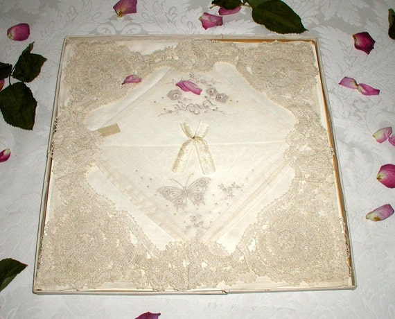 Hand Embroidered Hankies - 8 Embroidered Lawn Hankies With 2 Separate Lace Squares In Original Art Nouveau Box