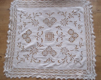 Antique French Beautiful Linen & Lace Centre Piece Or Tray Cloth