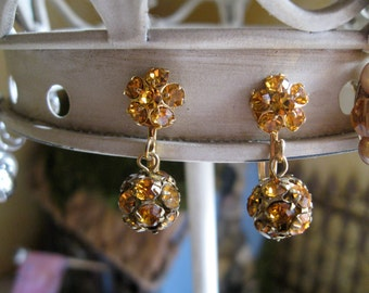 SALE vintage dangle chip on Ambler Rhinestone earrings