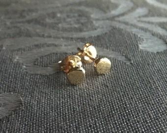Gold stud earrings 14k, Gold circle earrings, Gold round stud earrings, 14k Dots of gold earrings, dot studs, gold stud
