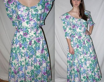 Sweet Tea .... Vintage 80s floral dress / garden party / 1980s romantic Alice / Southern belle wedding / full circle skirt ... S M