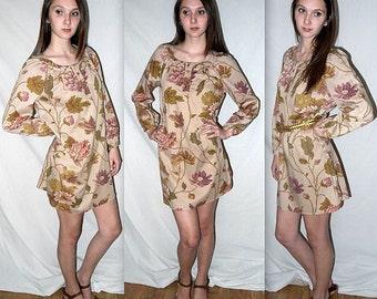 Songbird ..... Vintage 70s boho dress / 1970s mini tunic / floral tapestry / bohemian festival / long blouse shirt .. S M