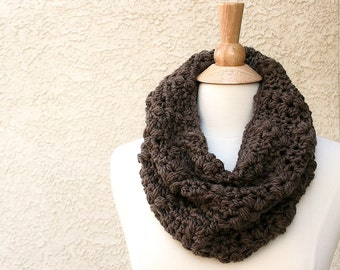 DOWNTOWN WOODLANDS COWL {Choose Your Color} Extremely Soft and Luxurious 100% Merino Cowl