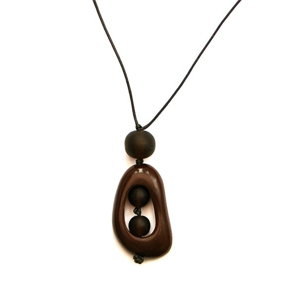 Resin Nursing Necklace Non Toxic Pregnancy Fertility 'Twiddle Buster' Pendant -Monkey Mama- Chocolate Brown