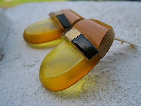 ART DECO Dress Clips Shoe Clips Apple Juice Bakelite Onyx and Teak Wood Fur Clips 30s 40s Rare Collectible