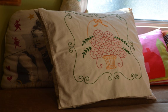Pillow case, Embroidered Pillow Case, Cotton Pillowcase, Floral Pillow Case, 1960s Pillow Case, Vintage Pillowcase Case, Needlepoint Pillow