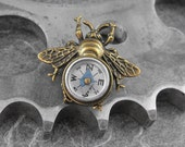 Steampunk Compass Bee Golden Brooch - Flight of the Travelling Bumblebee by COGnitive Creations