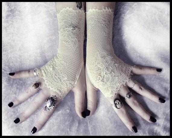 Niamh Lace Fingerless Gloves - Soft Ivory Cream Chantilly Floral - Wedding Gothic Regency Tribal Bellydance Goth Austen Bridal Fetish Gypsy