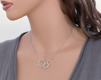 Circles necklace, silver rings necklace, delicate twist rings necklace, mondern everyday jewelry, best friend gift, by balance9